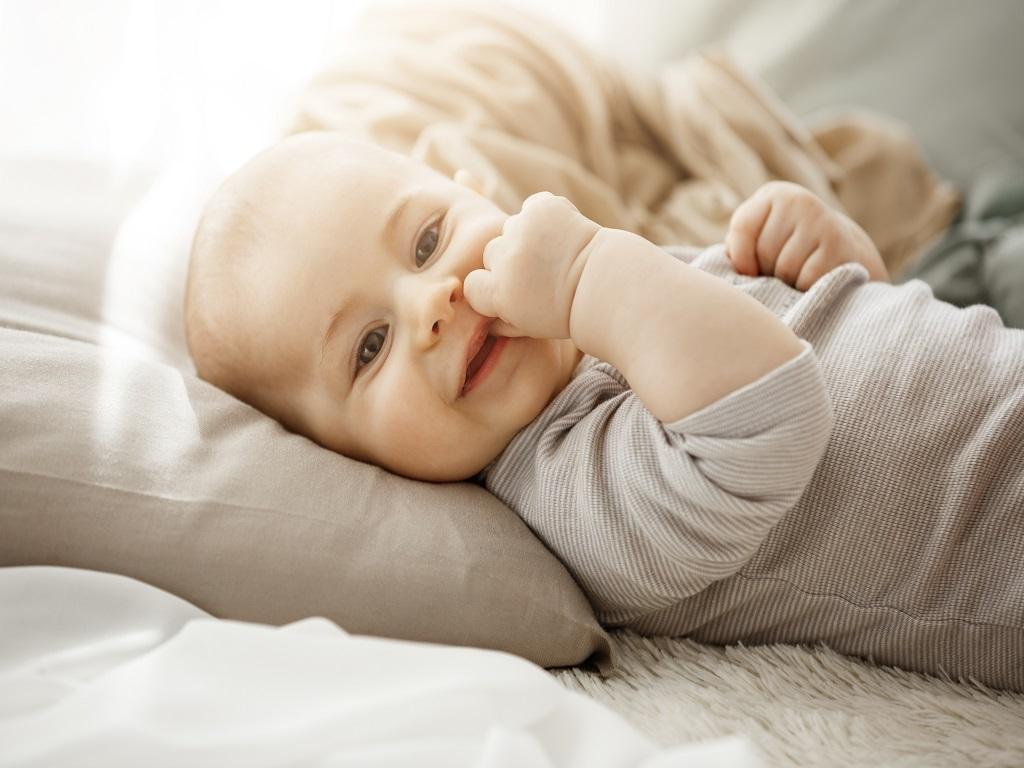 Tips Memilih Bantal dan Guling Khusus Bayi