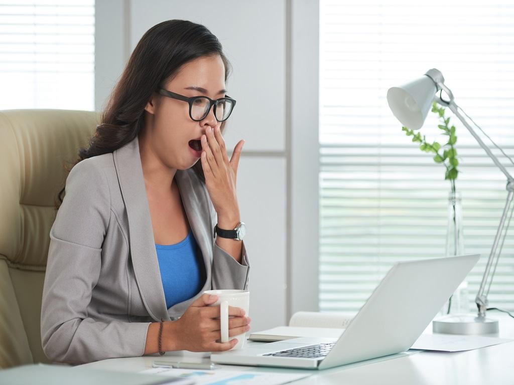 6 Cara Mudah Atasi Rasa Ngantuk Saat Bekerja