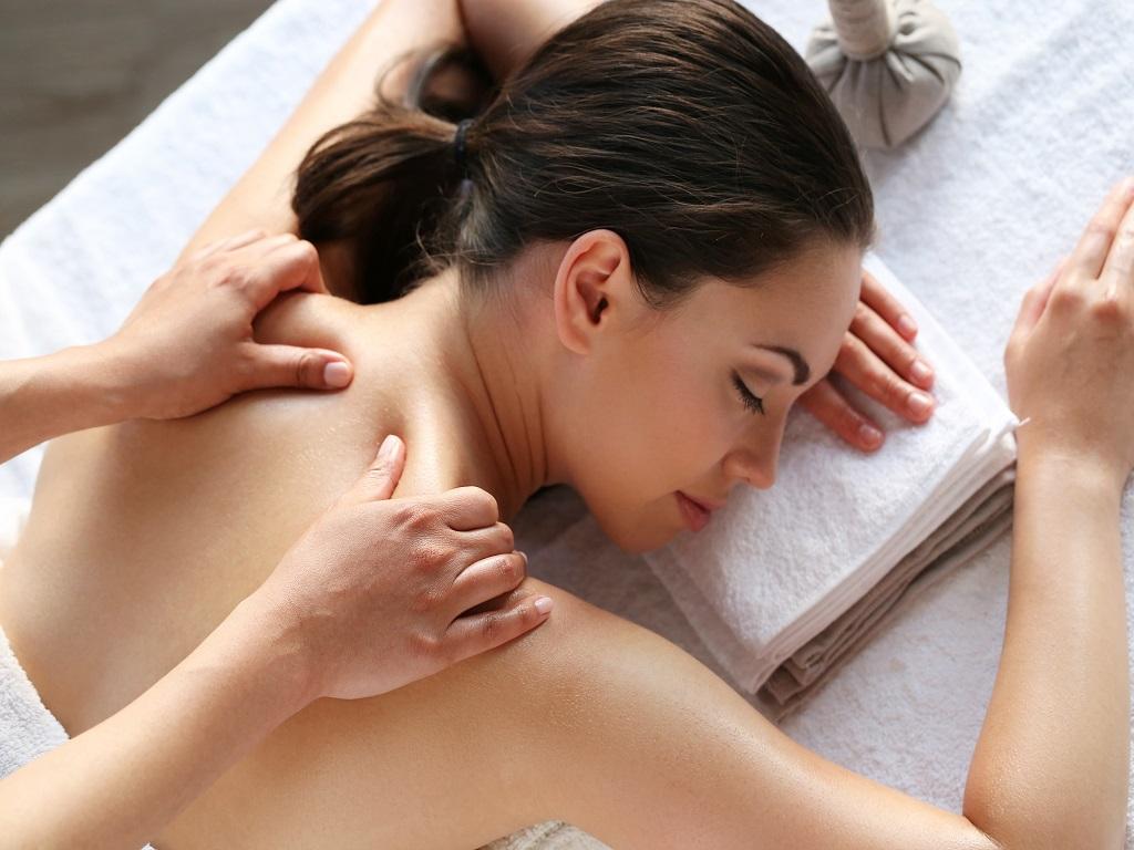 Tips Jitu Mengatasi Sakit Leher Akibat Salah Bantal