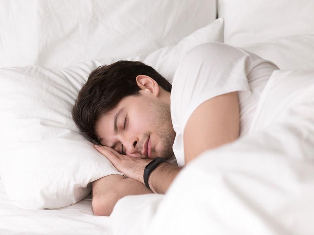 6 Manfaat Tidur dengan Bantal Empuk untuk Kesehatan