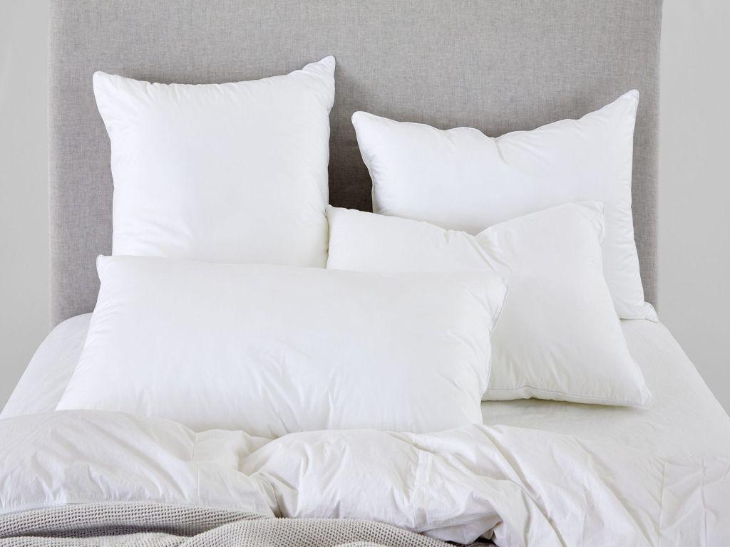 Wajib Tahu Inilah Posisi Bantal Tidur Yang Baik